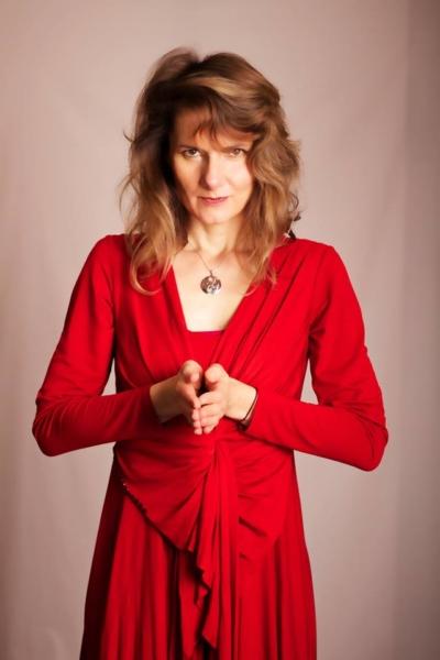 dámské červené úpletové šaty